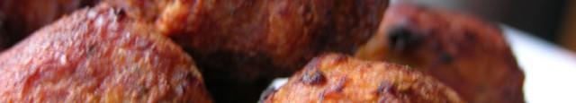 Ingrediente: 1 kg carne de porc tocata 1 ceapa mare taiata cat de marunt 4 catei de usturoi 1 lingurita de sare piper cat va place 5 linguri frunze de...