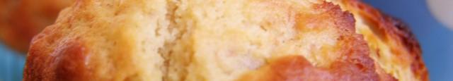 Din seria muffins vin si muffinurile cu unt de arahide si banane. O combinatie interesanta, foarte americana , dar buna. Aceasta varianta am preluat-o de la Rachel Allen, mi s-a...