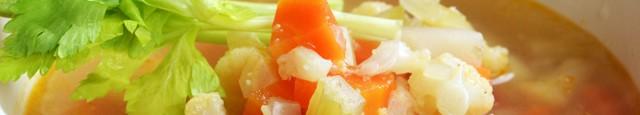 Ciorba aceasta chiar nu are nevoie nici de vegeta, nici de cuburi concentrate. Combinatia de legume da un gust fooooarte bun. Ai nevoie de: 1 ceapa mare galbena 2 gulii...