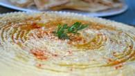Am promis acum cateva saptamani o reteta de humus si iata, ma tin de cuvant. Am vazut ca multi il numesc humus libanez, desi originea lui nu s-a lamurit inca....